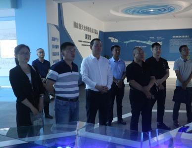 深圳陇丰缘公司董事长车雄伟一行考察开发区众创大厦和产业孵化园项目