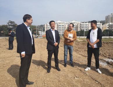 经济发展公司总经理张小龙节前检查在建项目安全生产情况